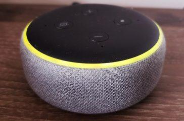 Alexa-is-flashing-yellow