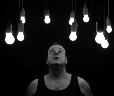 do smart bulbs use electric when they're off?